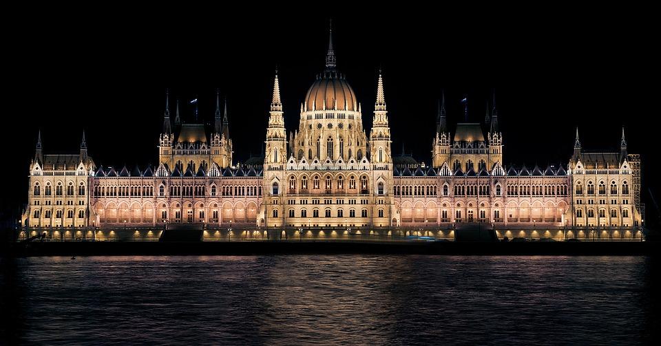 Budapest, noche, río